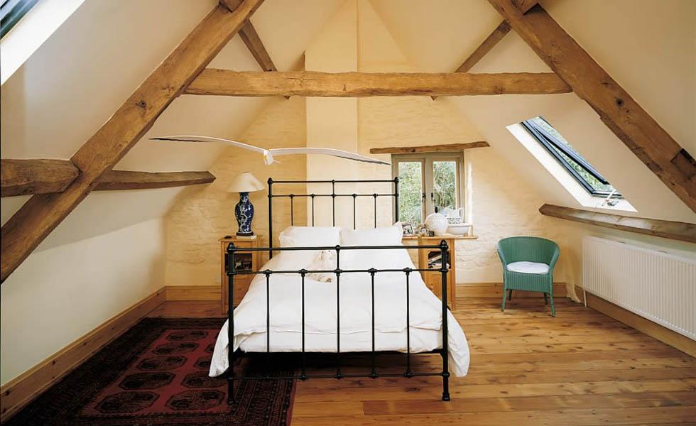 adaptacja strychu na sypialnię